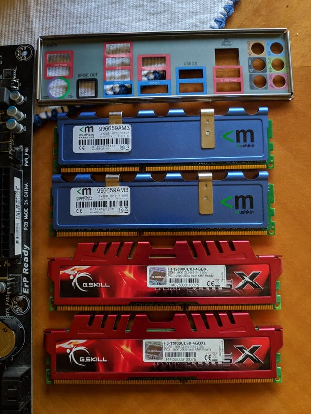 AMD FX 8350 + Placa Gigabyte ga-990fxa + 8GB RAM