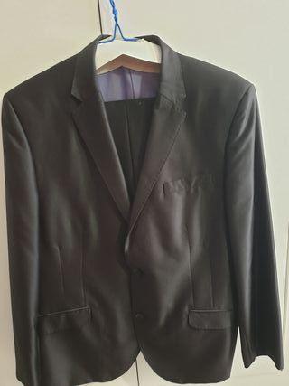 traje chaqueta para boda o evento.