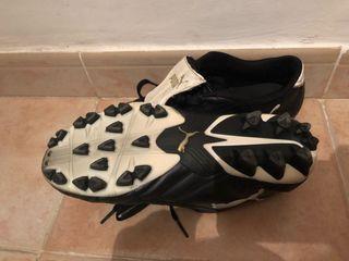 Botas fútbol marca Puma