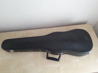 Violin. Full size