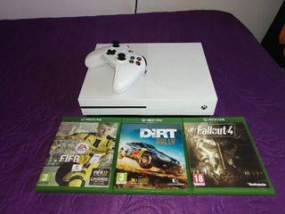 Xbox One S con mando y juegos