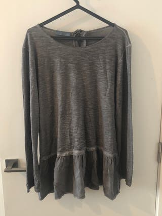 Camiseta/jersey gris talla unica!!