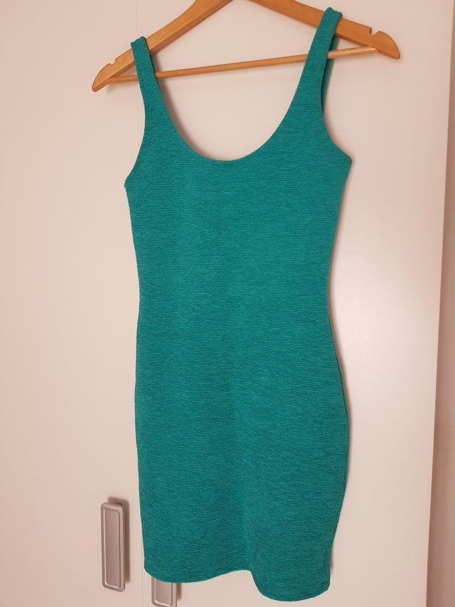 vestido BERSHKA bsk t.M turquesa impecable.