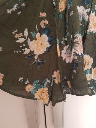 mono PULL BEAR t.M nuevo floral escote