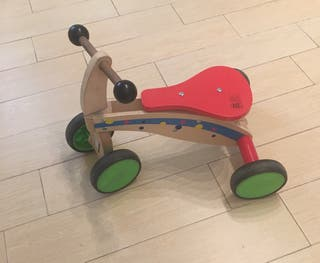 Correpasillos triciclo madera