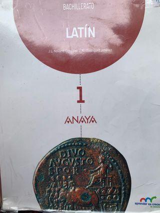 Llibre de llatí 1r de batxiller