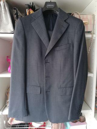 Traje Zara gris
