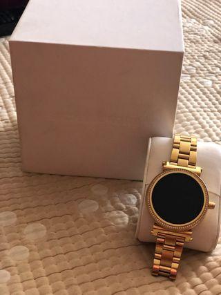 mejor sitio web c0038 13df4 Reloj inteligente Michael Kors de segunda mano en WALLAPOP