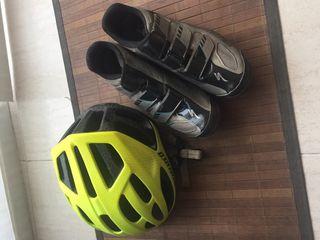 Casco y botas specialized