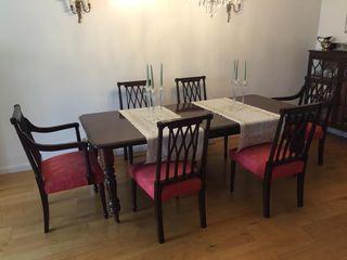 Mesa comedor con sillas de segunda mano en Madrid en WALLAPOP