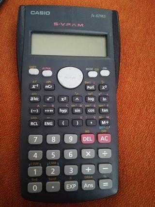 Calculadora científica. Casio fx82MS