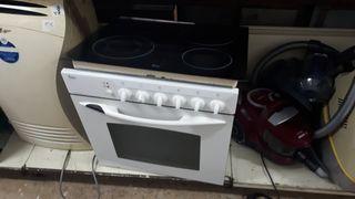 Conjunto horno teka blanco + vitro 4 fuegos