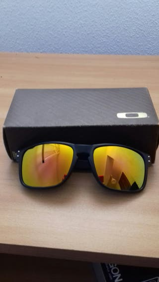 fe0a74e664 Gafas Oakley de segunda mano en la provincia de Valencia en WALLAPOP
