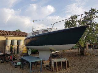 Barco a vela , velero de 7.4 metros.