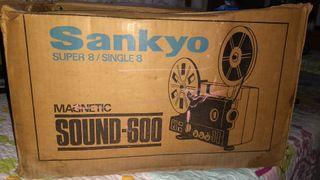 PROYECTOR SUPER 8 SINGLE 8 SANKYO 600 AÑOS 70