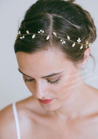 Muy fina Diadema de cristal y perla ,tiara dorada