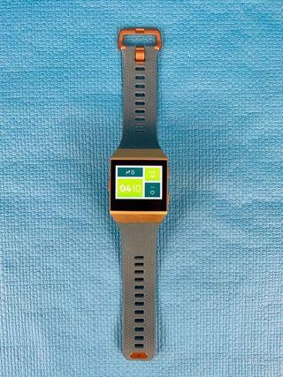 Reloj GPS Deportivo - Fitbit Ionic