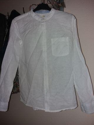 Camisa de lino de niño cuello mao de segunda mano por 2 € en