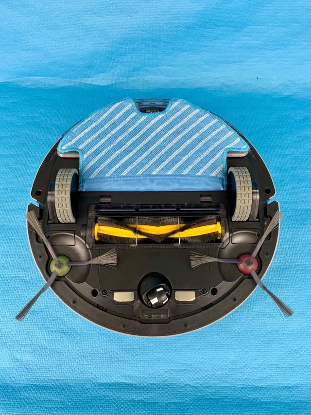 Robot Aspirador y friega (Nuevo) DEEBOT OZMO 900