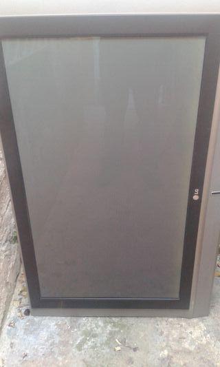 Televisión LG de 40 pulgadas pàra piezas o reparar
