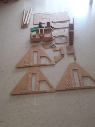 Piezas de la pirámide de playmovil