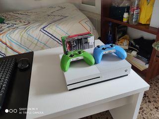 vendo Xbox One S 1T mas juegos