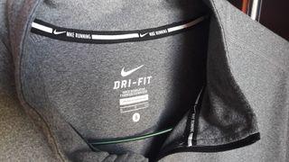 Sudadera hombre Nike running dry fit.