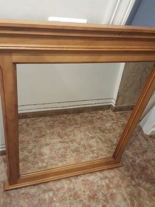 espejo con marco de madera nuevo