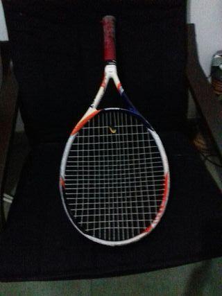 3 Raquetas de tenis y dos fundas.