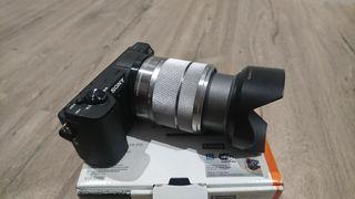 Sony A5100 con óptica 18-55mm