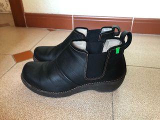 19563226 Zapatos de marca de segunda mano en Montcada i Reixac en WALLAPOP