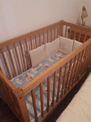 Lote bebe:cuna,colchón, andador, 2tronas, hamaca,