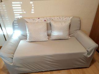 sofa de dos plazas con funda