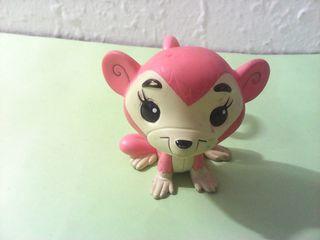 Mono rosa en pvc