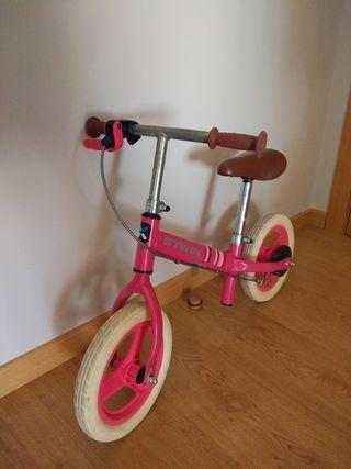 Bicicleta infantil sin pedales decathlon