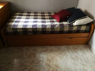 Se vende cama nido con escritorio completo.
