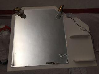 Espejo de baño con estanterías