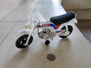 Yamaha Moto-Cross de Juguete, Shamber's, Valencia