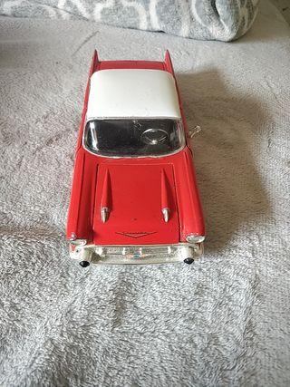 maqueta de coche antiguo