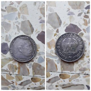 VENDO MONEDA (num.15)