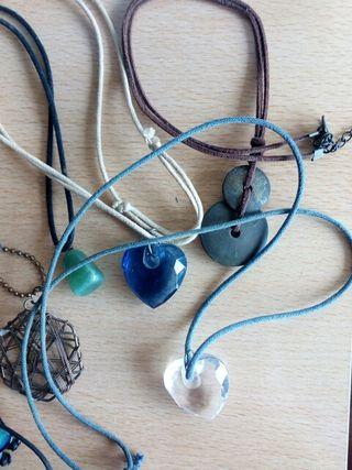 lote de diferentes collares