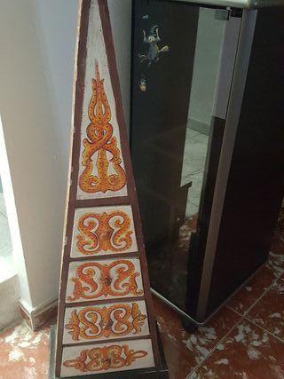 piramide estanteria decorativa de madera