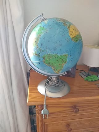 globo terráqueo con luz