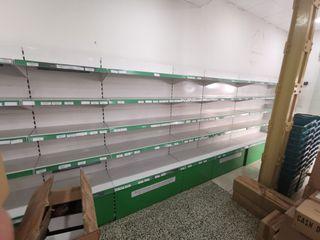 mobiliario de tienda (neveras, estanterías, caja