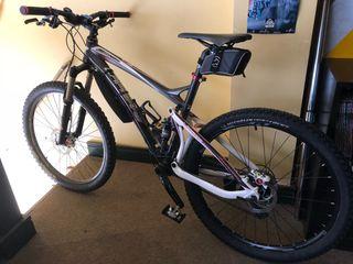 Bicicleta de descenso montaña