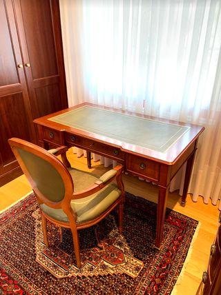 Mesa escritorio madera nogal + silla