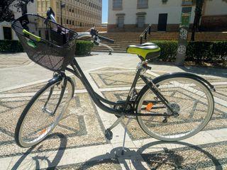 Bicicleta urbana paseo ciudad todos los extras