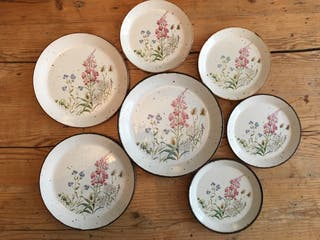 Set of mixed plates