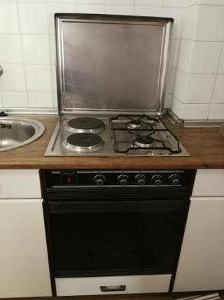 Horno de gas y cocina mixta gas y eléctrica