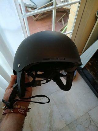 casco skate bici